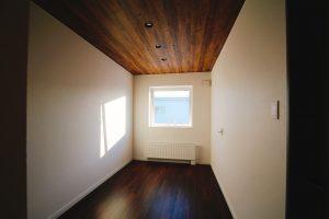 施工事例『暮らす/育む/遊ぶを楽しむ回廊型の家』を追加します。