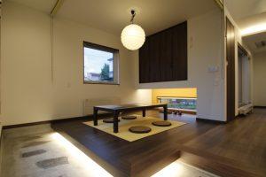 施工事例『空間を繋ぐ通り土間のある家』を追加します。